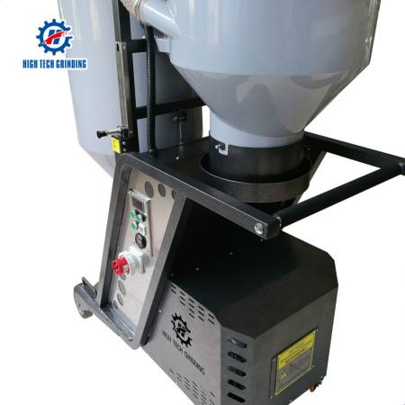 Automatic industrial vacuum cleaner